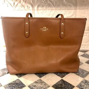 Coach City Zip Leather Tote in Light Saddle